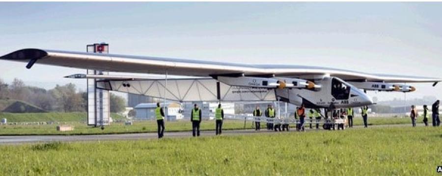 Нарны эрчим хүчээр ажилладаг онгоцыг туршлаа