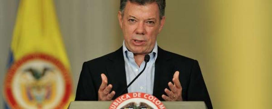 Экс ерөнхийлөгч Хуан Мануэль Сантос ялалт байгууллаа