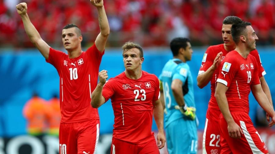 Швейцарь шөвгийн 16-д өрсөлдөх эрхээ авлаа