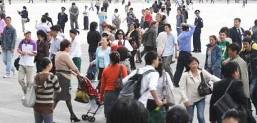 Ц.Энхтайван: Нам доторх хагарлын хохирогчид ард түмэн болдог