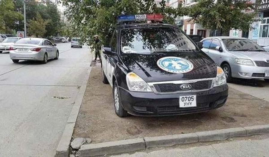 Цагдаагийн албан хаагчийн тээврийн хэрэгсэл жолоодох эрхийг нь хаслаа