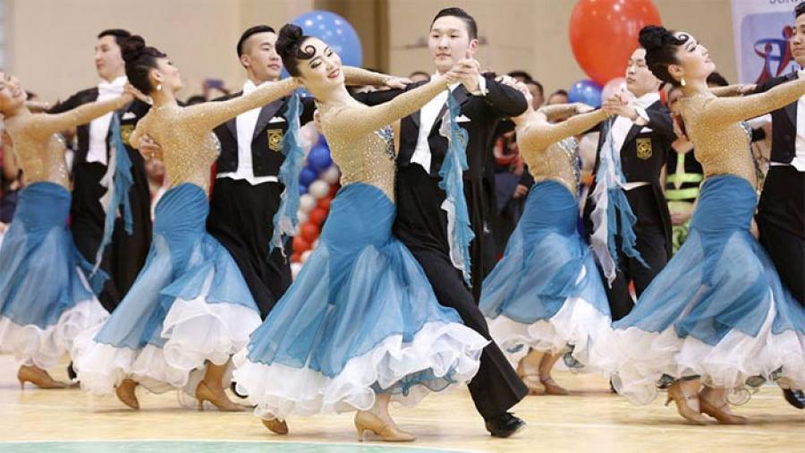 """""""Мoon""""  клубын бүжигчид Дэлхийн аваргад өрсөлдөх эрхтэй болжээ"""