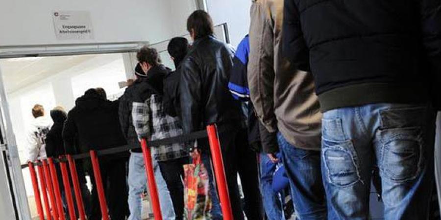 Бүртгэлтэй ажилгүй иргэдийн 61.2 хувийг залуус эзэлж байна