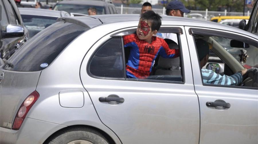 Он гарсаар авто тээврийн ослоор 12 хүүхэд амиа алджээ