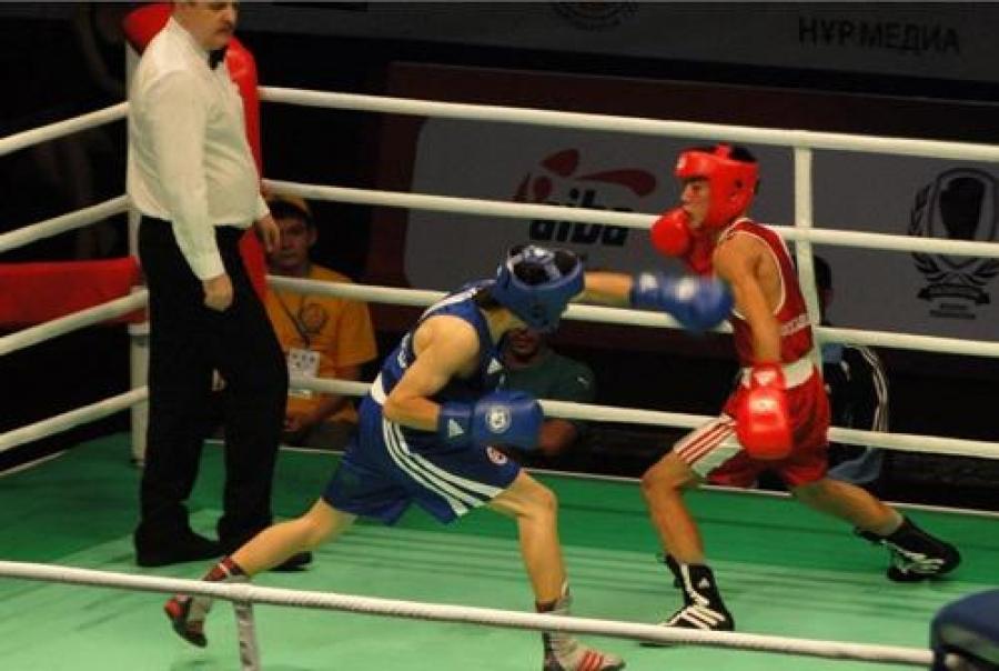 Боксчид долоон медаль хүртжээ