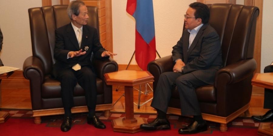 Ерөнхийлөгч Ц.Элбэгдоржид Япон,Монголын найрамдлын бүлгийн дарга С.Эда бараалхав