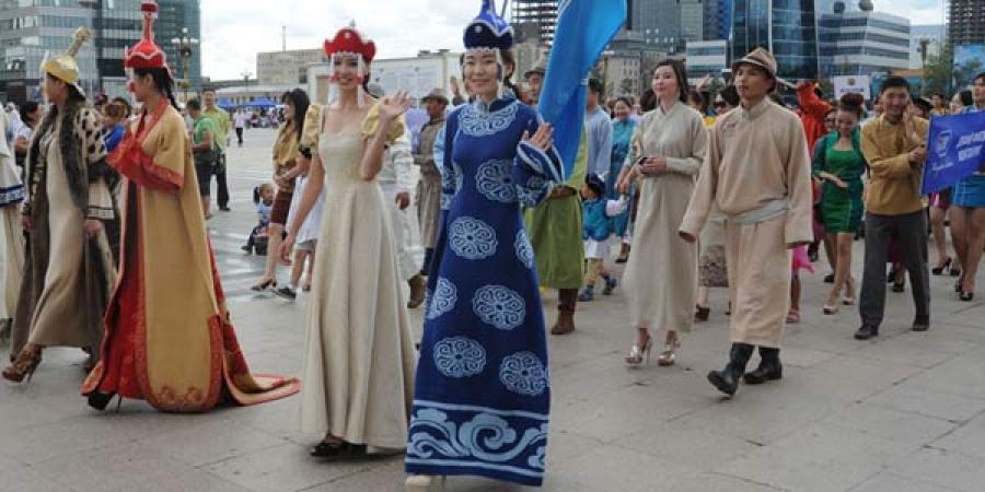 """""""Дээлтэй Монгол Наадам-2015"""", """"Учиртай гурван толгой дуурь""""-ийг үзэхдээ заавал үндэсний хувцас өмсөнө"""