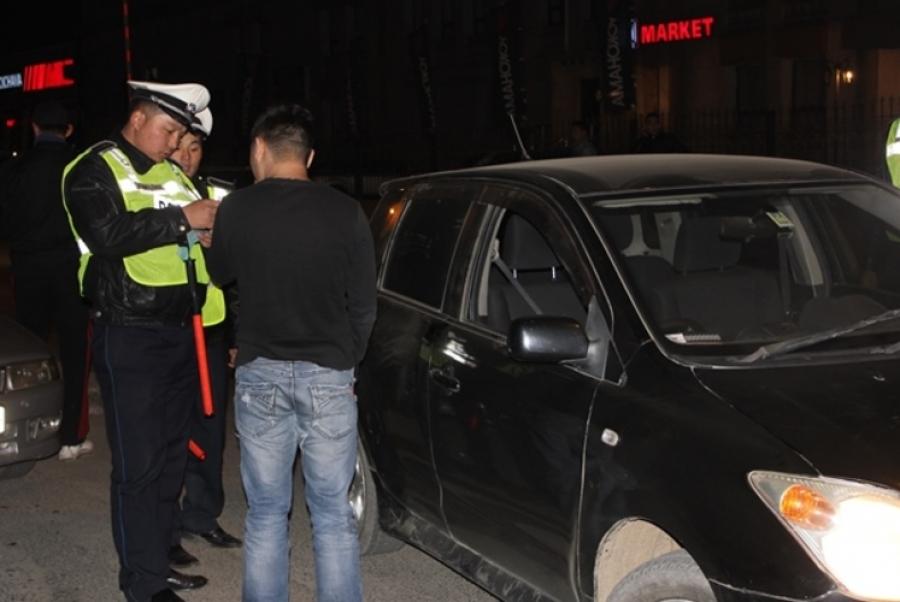 Согтуугаар жолоо барьсан 115 жолоочийг журамлажээ