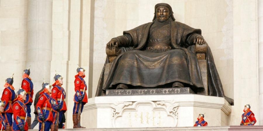 """""""Монгол бахархалын өдөр""""-өөр хилээ хаана"""