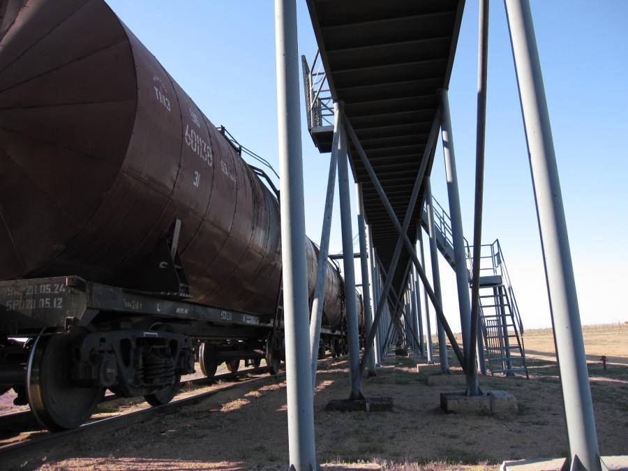 Газрын тос боловсруулах үйлдвэр байгуулах асуудлаар Хэнтийд ажиллана