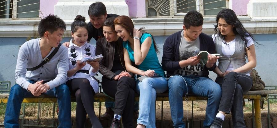 """Засгийн газар """"Сайн оюутан"""" хөтөлбөр хэрэгжүүлж, сургалтын төлбөрийн зээл олгоно"""
