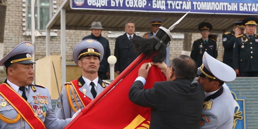 Зэвсэгт хүчний 084 дүгээр ангийг Цэргийн гавьяаны одонгоор шагналаа