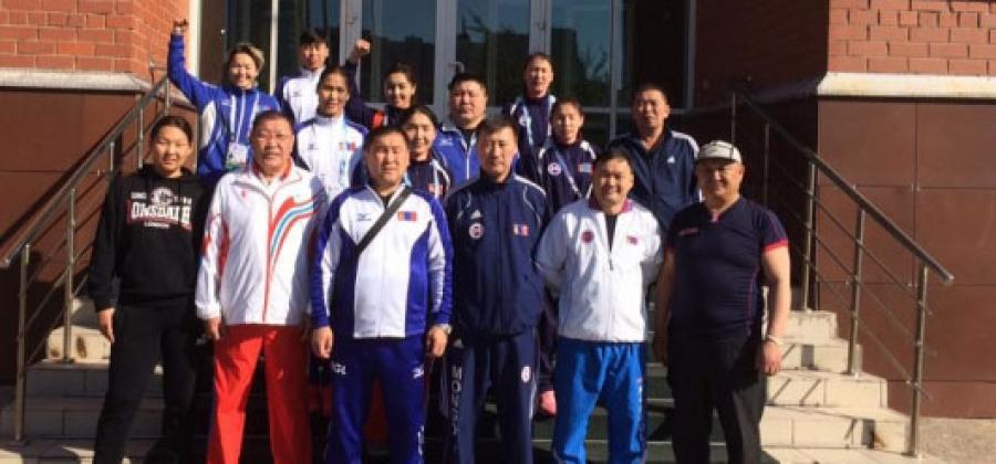 Олимпийн эрх олгох боксын эмэгтэйчүүдийн ДАШТ эхэллээ