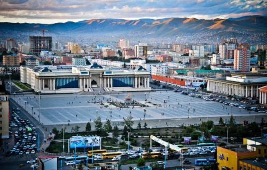 Чингисийн талбайн баруун талын замыг хэсэгчлэн хаана