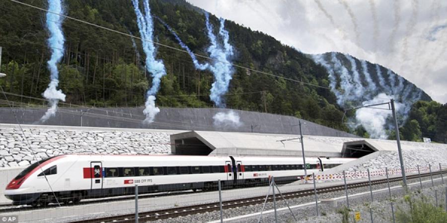 Дэлхийн хамгийн урт нүхэн гарц Швейцарьт нээгдлээ