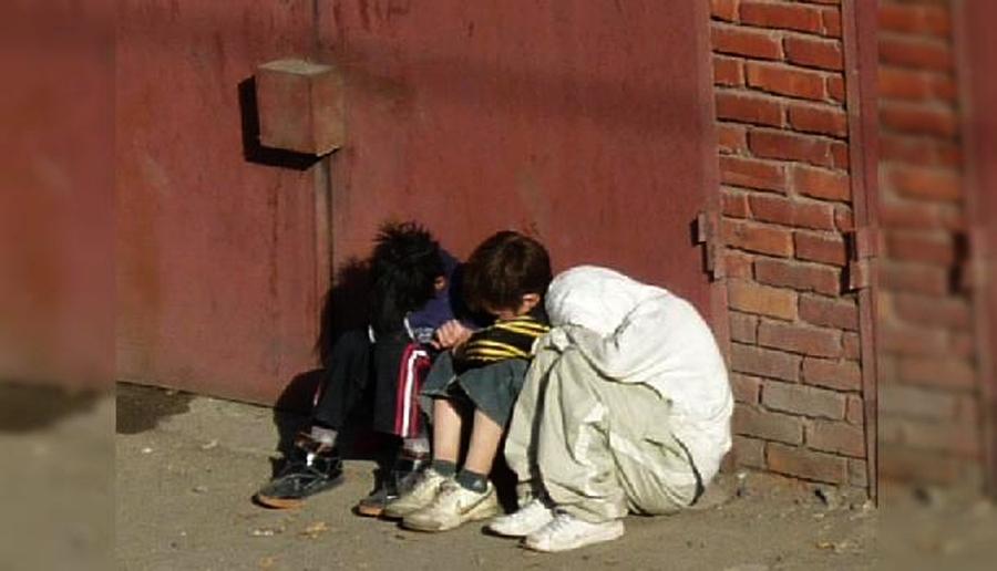 Эрсдэлт нөхцөлд амьдарч байгаа хүүхдүүдэд хөгжил, хамгааллын үйлчилгээ үзүүлнэ