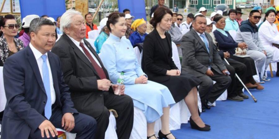 Төв аймгийн Ардчилагчид сонгуулийн сурталчилгаагаа морин цагт эхлүүллээ