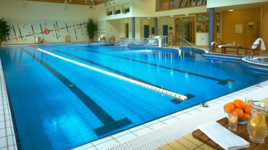 Нийслэлийн 4 дүүрэг усан спорт сургалтын төвтэй болжээ