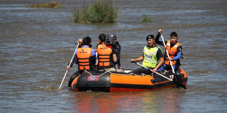 Орхон голын усанд живж байсан зургаан иргэний амь насыг аварчээ