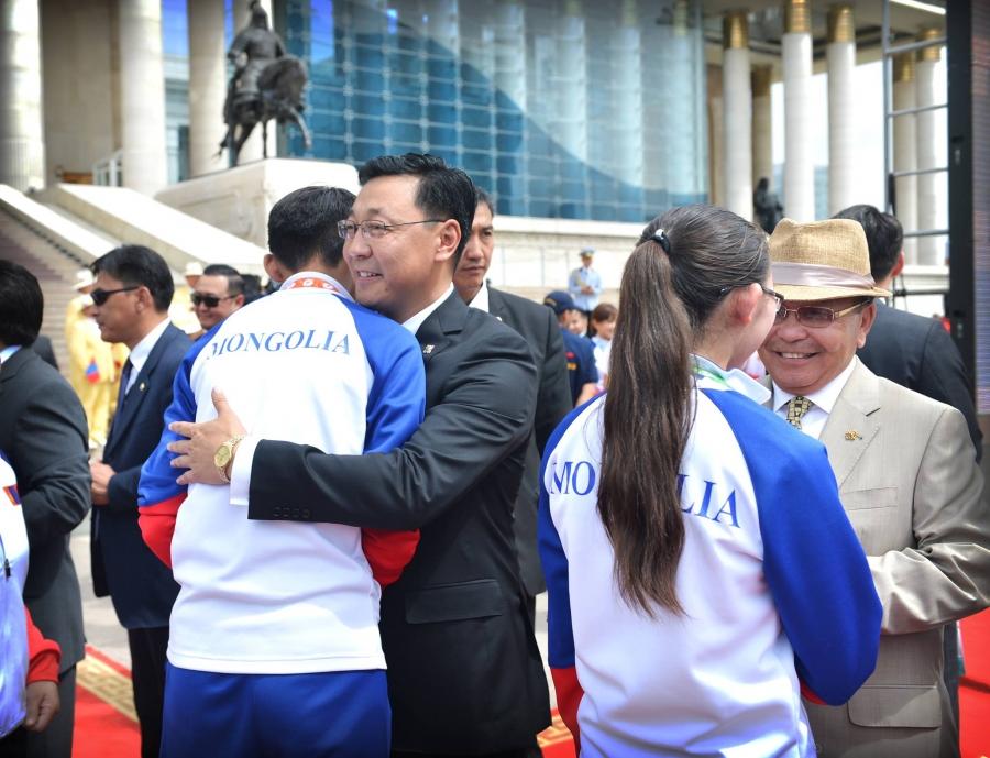 Ж.Эрдэнэбат:  Бээжин, Лондонгийн олимпод үзүүлсэн амжилтаа ахиулна гэдэгт итгэлтэй байна