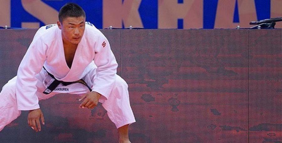 Л.Отгонбаатар  хүрэл медалийн төлөөх барилдаанд БНХАУ-ын бөхөд ялагдлаа