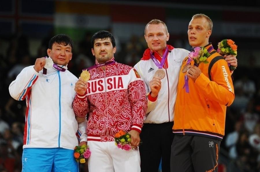 Олимпийн аваргууд эхний тойрогт ялагдлаа