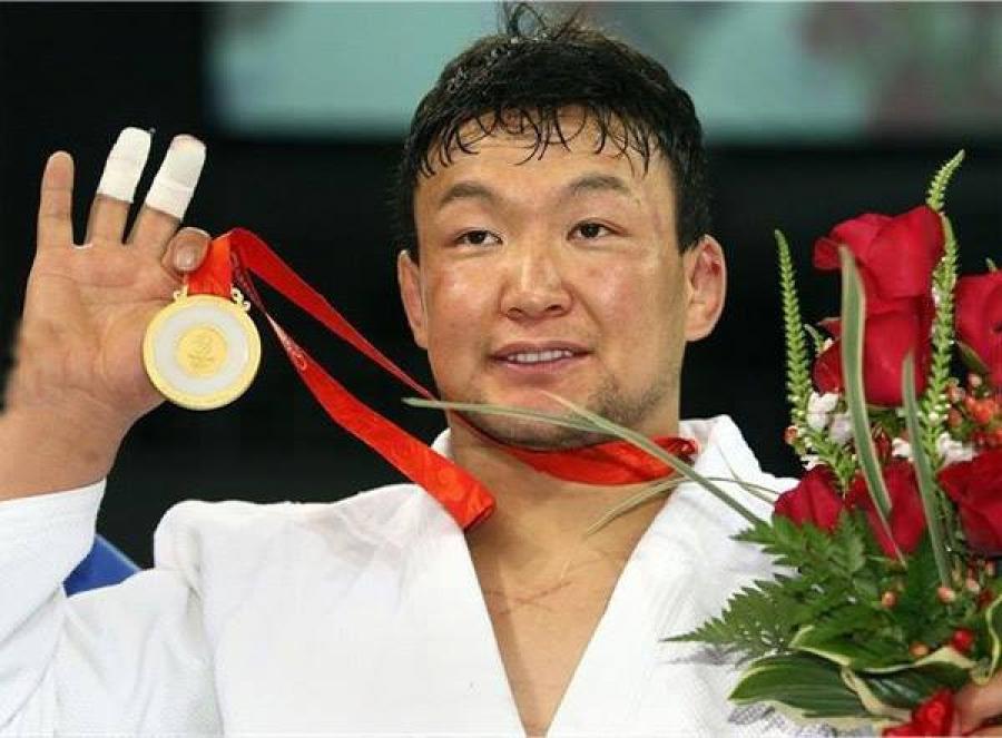 Монголчууд олимпийн аваргатай болсон түүхэн өдөр өнөөдөр