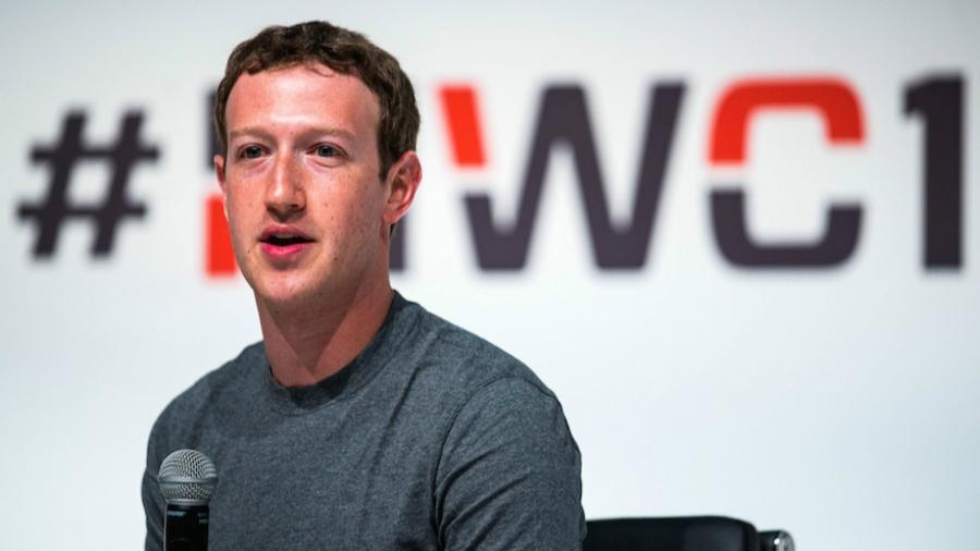 Зукерберг амлалтаа биелүүлэв