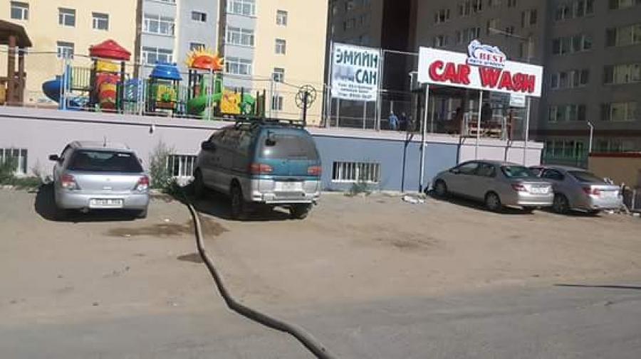 """""""Car wash"""" авто угаалгын газрынхан бохир усаа Сэлбэ гол руу цутгаж  байна уу"""