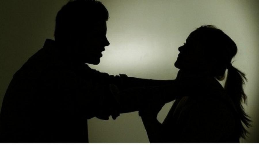 Гэр бүлийн хүчирхийллийн тухай хуулийг  татсаныг эсэргүүцэж, жагсаал хийнэ