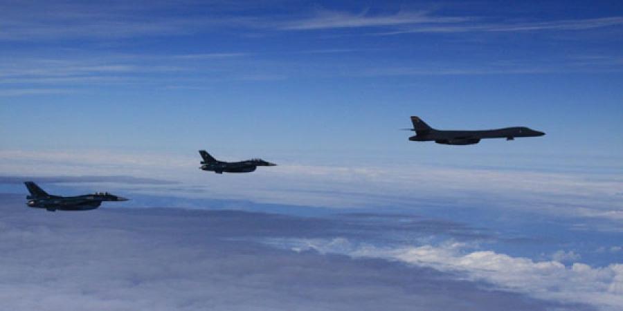 АНУ бөмбөгдөгч онгоцоо Сөүл рүү илгээв