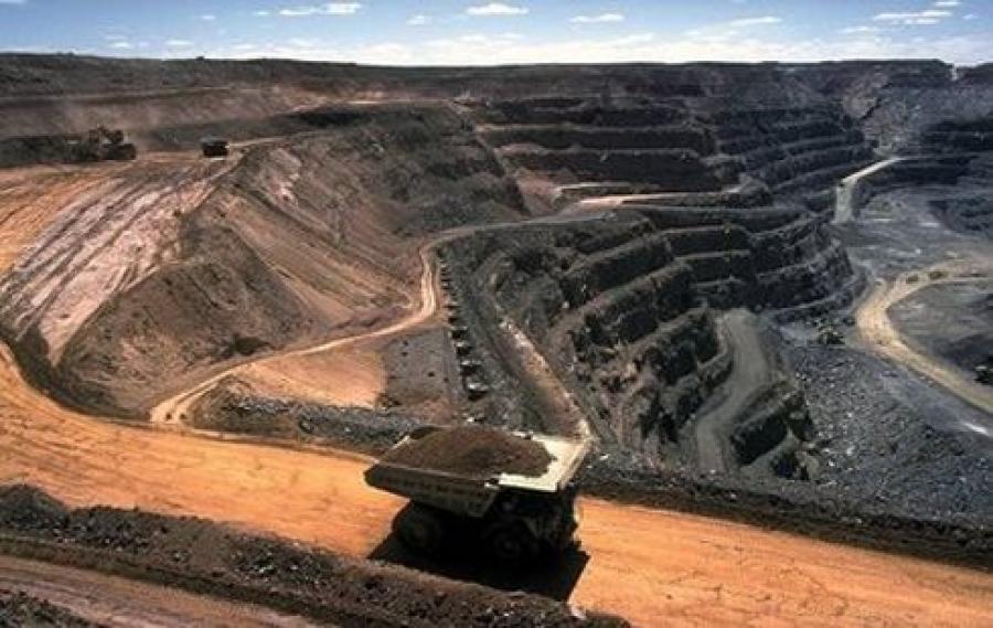 Дэлхийн зах зээл дээр 200 доллар хүрч байгаа нүүрсээ хэдий болтол 20 доллараар зарах вэ