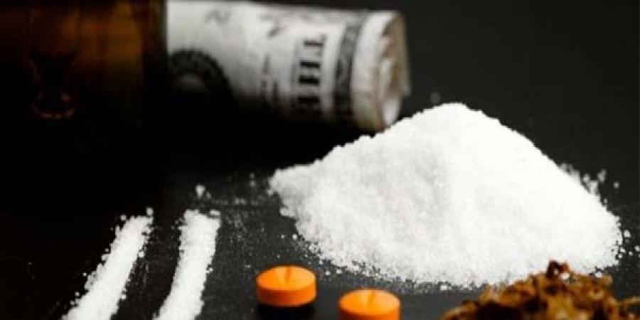 Хар тамхи борлуулдаг, худалдан авсан найман хүнийг баривчиллаа