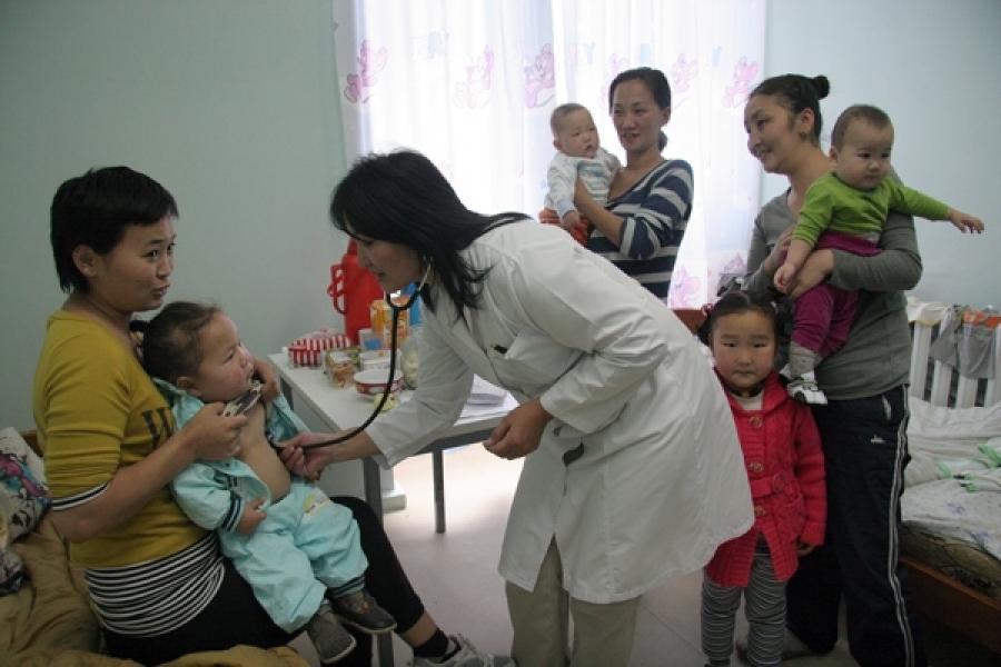 БЗД-ийн нэгдсэн эмнэлэг өдөрт 180-200 хүүхэд хүлээн авч байна