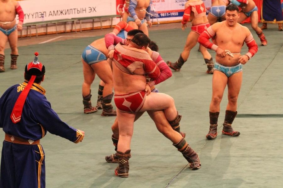 Монгол бахархлын өдрөөр 128 бөх барилдана