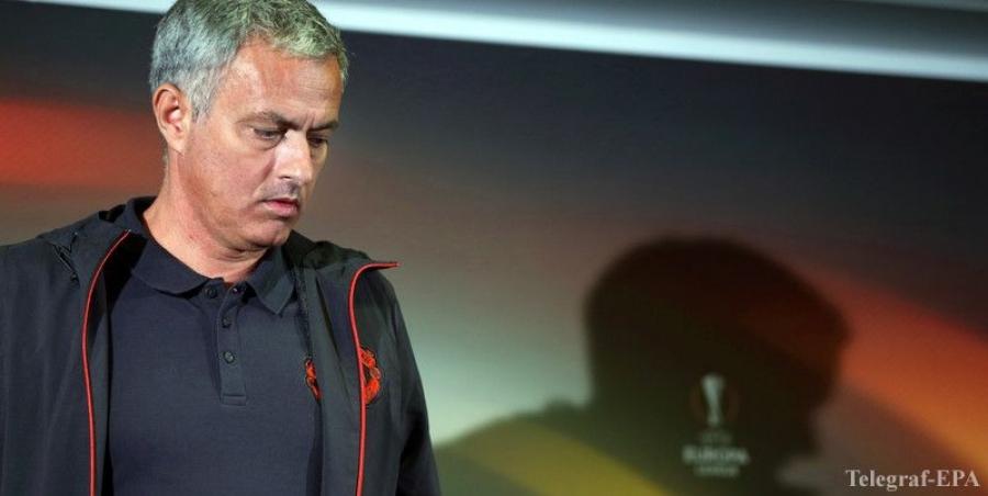 """Моуриньо """"Манчестер Юнайтед""""-аас найман хөлбөмбөгчийг явуулна"""