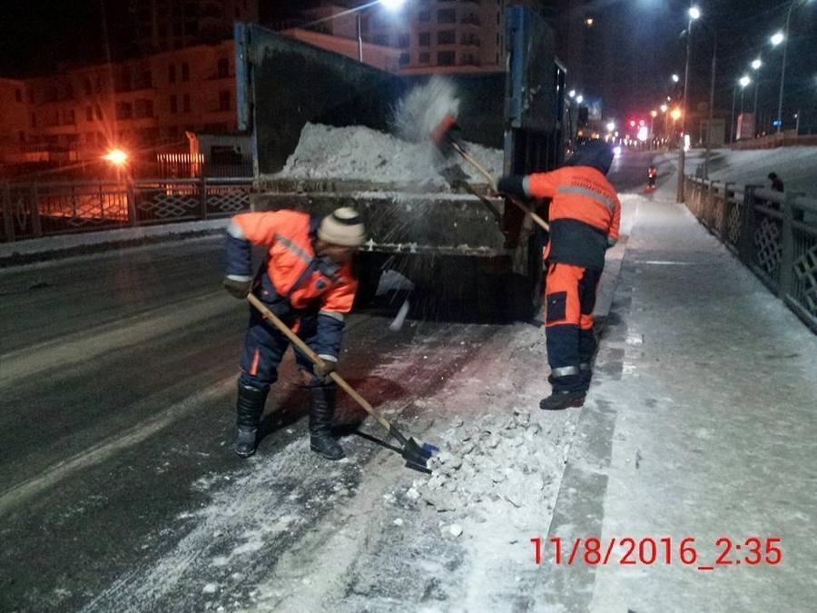 Гудамж, замуудад 2,7 тонн бодис цацжээ