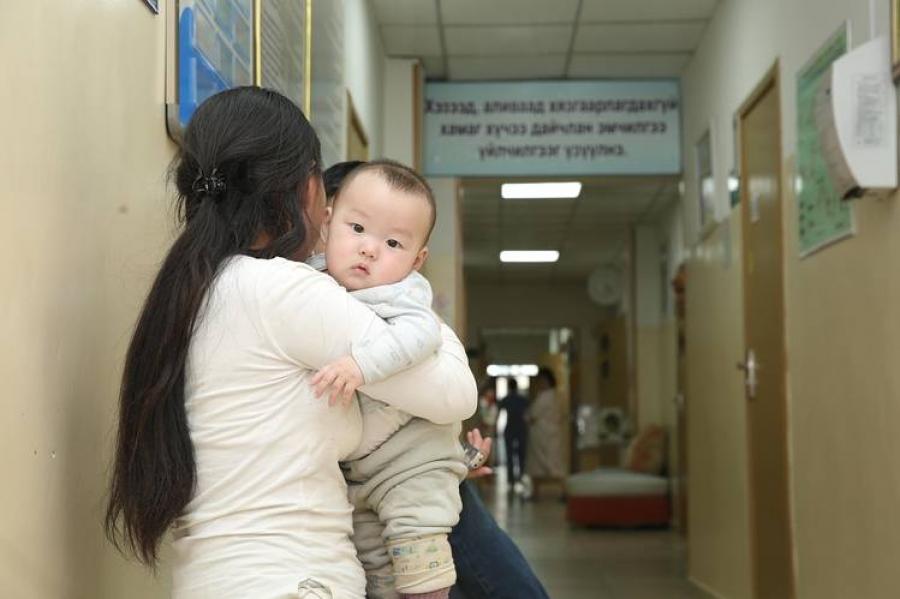 Эмнэлгүүдэд хүүхдийн орны ачаалал нэмэгджээ