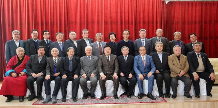 Ардын их хурлын депутатуудад хүндэтгэл үзүүллээ