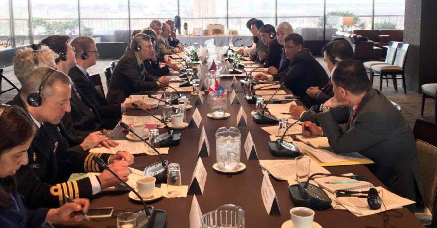 Монгол, Канадын дугуй ширээний уулзалт болов