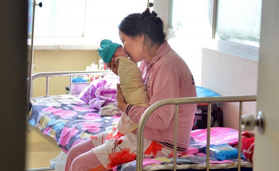 Эх, хүүхдэд үзүүлэх эрүүл мэндийн тусламж, үйлчилгээний чанарыг сайжруулна