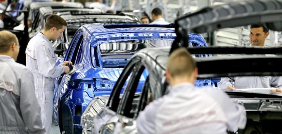 """""""Порше"""" ажилтнууддаа 9111 еврогийн урамшуулал олгоно"""