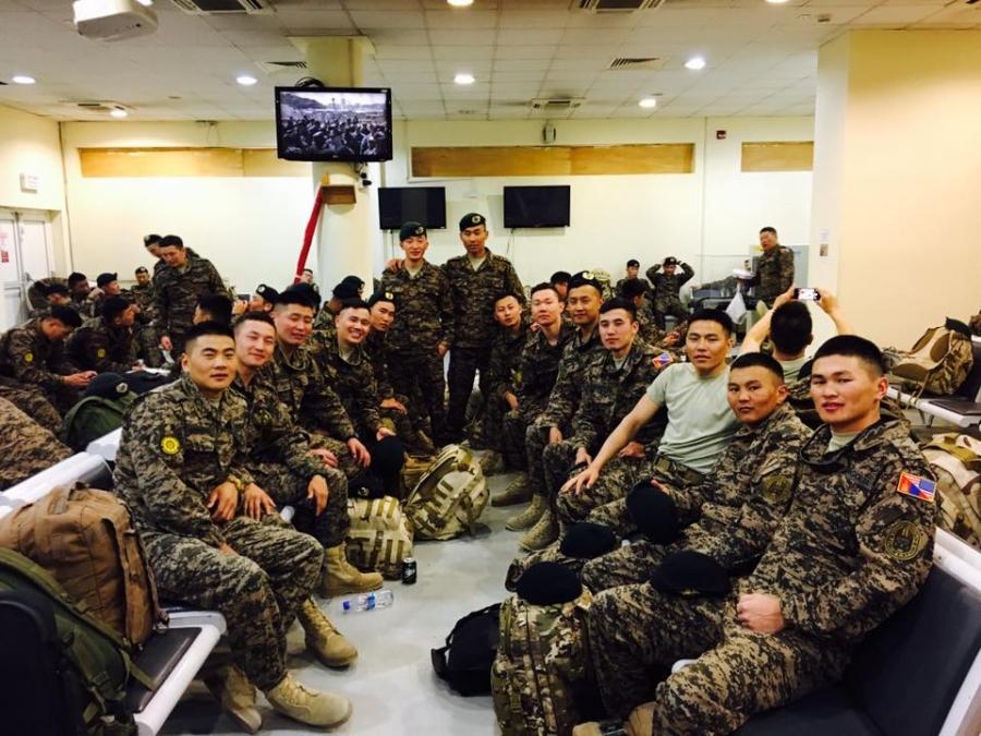 Монгол цэргүүд Афганистанаас эх орондоо ирлээ