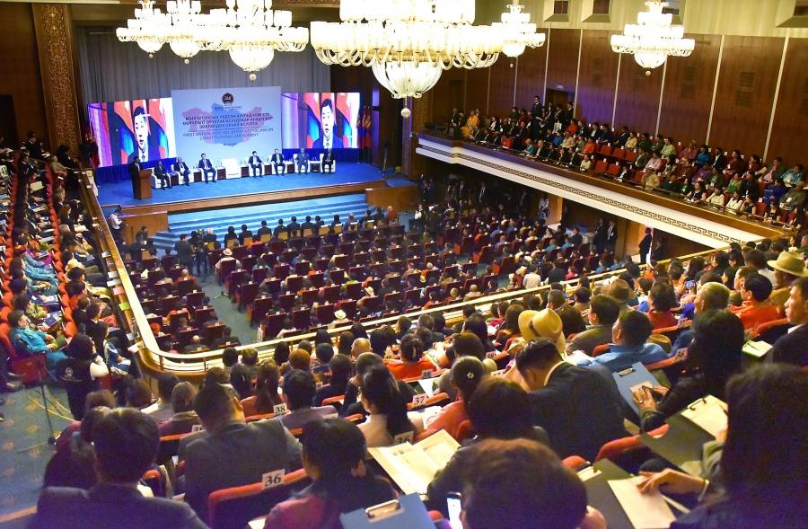 ФОТО: Анхдугаар зөвлөлдөх санал асуулга болж байна