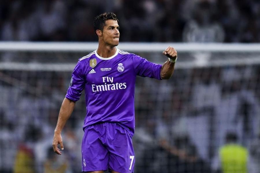К.Роналдо хамгийн өндөр орлоготой тамирчнаар тодорлоо