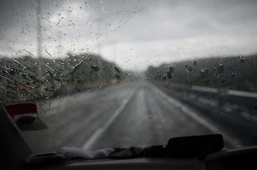 Хангайн уулархаг нутгаар түр зуурын бороотой