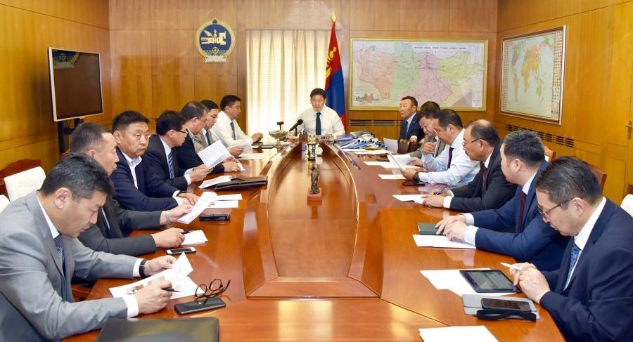 У.Хүрэлсүх: Монгол наадамд зөвхөн Монгол морь л уралдах ёстой