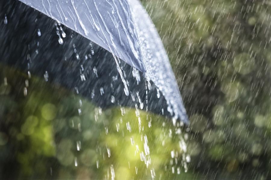 Дуу цахилгаантай бороо орж, салхи ширүүснэ