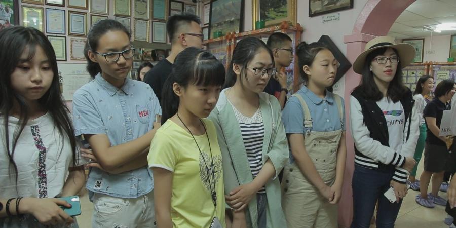 Олон улсын сурагчид Улаанбаатар хоттой танилцаж байна