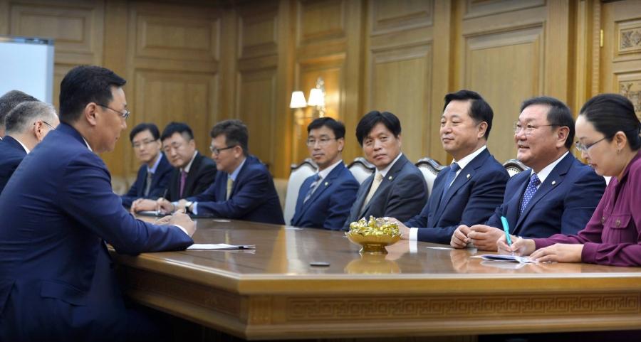 Солонгос-Монголын хамтын ажиллагааны форумын төлөөлөгчидтэй уулзав